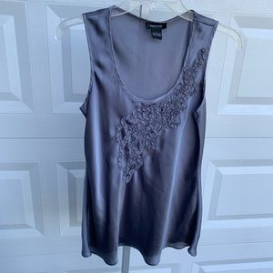 Sleeveless Spense gray top